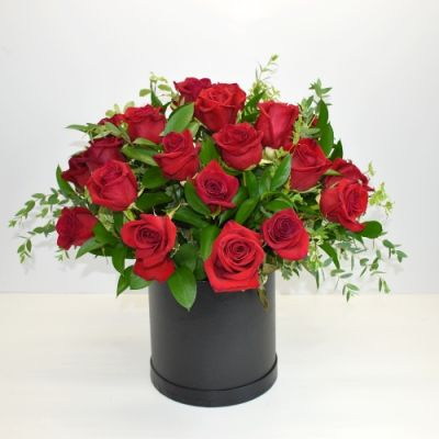 Red Roses in a Black Hatbox in Houston, TX