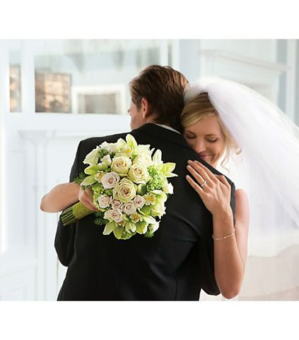 10-wedding-white-bouquet-shoot-scentandviolet-flowers-gifts-houston-tx.jpg